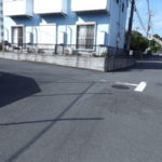 前面道も広々前面道路含む現地写真
