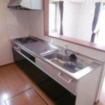 嬉しい3口コンロ。調理スペースも広々!キッチン