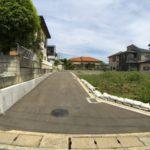 閑静な住宅地前面道路含む現地写真